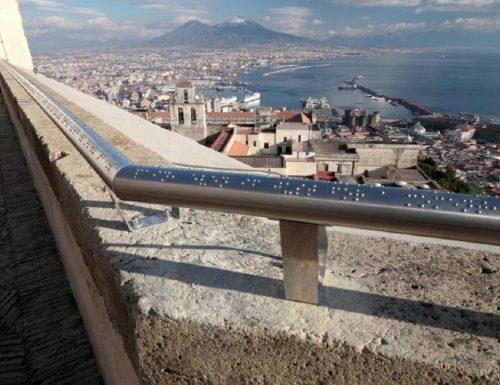Napoli, a Castel Sant'Elmo un corrimano in braille.